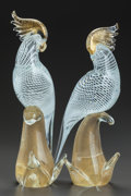 Art Glass:Other , A PAIR OF MURANO GLASS COCKATOOS. 20th century. 11 inches high(27.9 cm). PROPERTY FROM A PRIVATE TEXAS COLLECTION. ... (Total: 2Items)