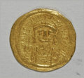 Ancients:Byzantine, Ancients: Justinian I. A.D. 527-565. AV solidus (20 mm, 4.41 g).Constantinople, A.D. 545-565. Diademed, helmeted and cuirassed bustf...
