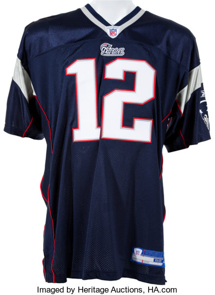 san francisco 8831c d08b0 Tom Brady Signed Football and New England Patriots Jersey ...