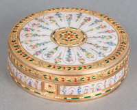 A FRENCH 18K GOLD AND GUILLOCHÉ ENAMEL PATCH BOX Circa 1900 Marks: (eagle) 1 inch high x 2-7/8 inches diamet