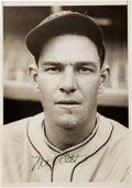 Autographs:Photos, 1934 Mel Ott Signed News Photograph....