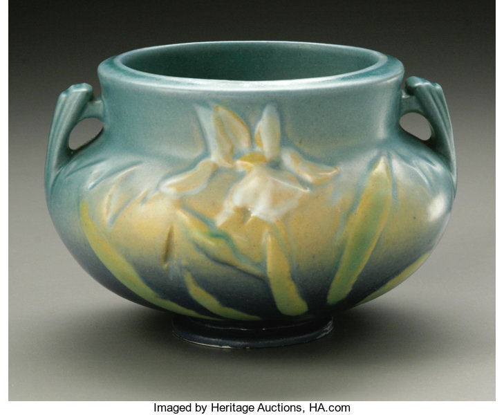 AN AMERICAN ART POTTERY BOWL  Roseville Pottery, designed