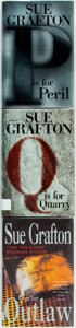 Books:Mystery & Detective Fiction, Sue Grafton. SIGNED. Group of Three Novels in the Kinsey MillhoneSeries. Putnam and MacMillan, 1999-2002. First US or UK ed...(Total: 3 Items)