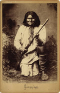 Photography:Cabinet Photos, CHIRICAHUA APACHE INDIAN GERONIMO CABINET CARD ca 1880s Geronimo (1829-1909) was a prominent Native American leader of Chiri... (Total: 1 Item)