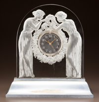 R. LALIQUE CLEAR AND FROSTED GLASS DEUX FIGURINES CLOCK AND ILLUMINATED BASE Circ