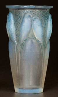 R. LALIQUE OPALESCENT GLASS CEYLAN VASE WITH BLUE PATINA Circa 1924. Wheel-cut R
