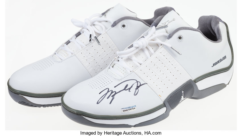 3276e6d1e99 Michael Jordan Signed UDA Shoes.... Basketball Collectibles Others ...