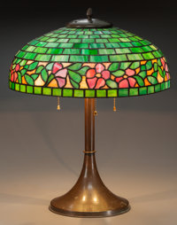 AMERICAN LEADED GLASS AND COPPER TABLE LAMP, circa 1910 23 inches high x 18 inches diameter (58.4 x 45.7 cm)
