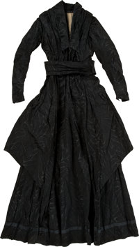 Mary Todd Lincoln: Silk Mourning Dress Ensemble