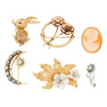 Estate Jewelry:Brooches - Pins, Diamond, Multi-Stone, Shell Cameo, Freshwater Pearl, Seed Pearl,Gold Brooches. ... (Total: 6 Items)
