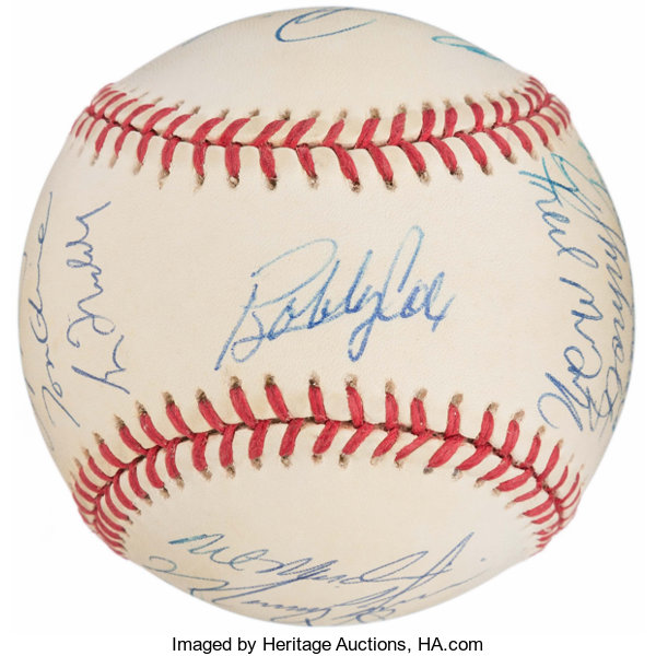 f17883f3c17 1995 Atlanta Braves Team Signed Baseball (17 Signatures)....