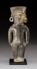 Pre-Columbian:Ceramics, A Monteno Blackware Figure. c. 850-1500 AD...