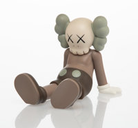 KAWS (b. 1974) Holiday: Taipei (Brown), 2019 Painted cast vinyl 5-1/2 x 7 x 5-1/2 inches (14 x 17