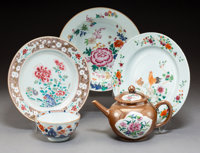 A Group of Five Chinese Enameled Export Porcelain Articles, Qing Dynasty, 18th century 9-1/8 inches (23.2 cm) (la