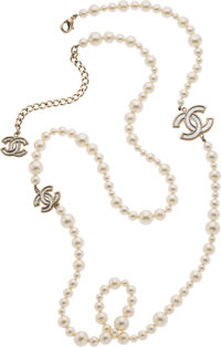 "Chanel Faux Pearl CC Necklace Condition: 2 43"" Length"
