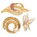 Estate Jewelry:Brooches - Pins, Diamond, Ruby, Gold Brooches. ... (Total: 3 Items)