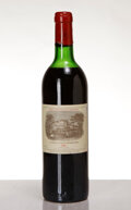 Red Bordeaux, Chateau Lafite Rothschild 1982 . Pauillac . hs, nc. Bottle (1). ... (Total: 1 Btl. )