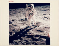 """Apollo 11 Vintage NASA """"Red Number"""" Color Photo, Image AS11-40-5903: """"Visor"""""""