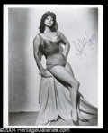 Autographs, Sophia Loren Signed 8 x 10 Photo