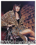 Autographs, Lucy Lawless Sexy Signed Photo