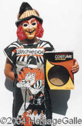 Autographs, Halloween Costume-Witchiepoo