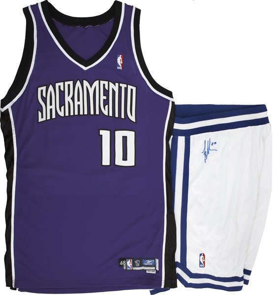 e4d029599 Mike Bibby Game Worn and Signed Sacramento Kings Jersey and