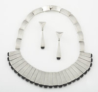 A MEXICAN SILVER AND OBSIDIAN NECKLACE AND EARRING SET Antonio Pineda, Taxco, Mexico, circa 1960 Marks: (Antoni