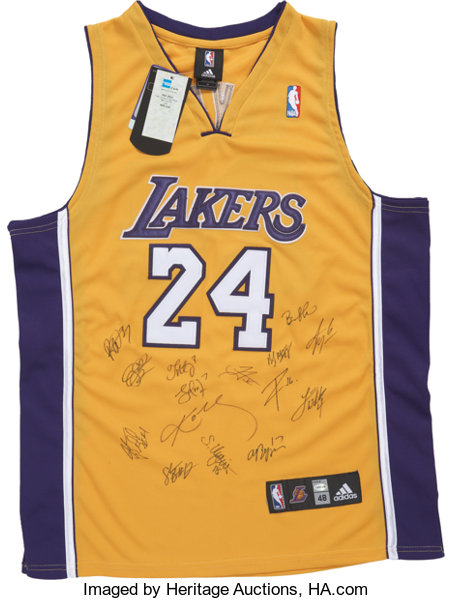 separation shoes 68a7b 770b7 2009-10 Los Angeles Lakers Team Signed Jersey.... Basketball ...