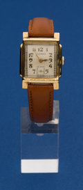Timepieces:Wristwatch, Illinois 14k Gold 15 Jewel Grade 605 Wristwatch. ...