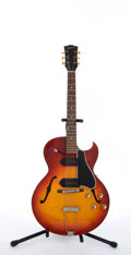 Musical Instruments:Electric Guitars, Vintage Gibson ES-125 TCD Cherry Burst Archtop Semi-Hollow Body Electric Guitar #23196....