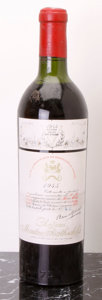 Red Bordeaux, Chateau Mouton Rothschild 1945 . Pauillac. vhs, lbsl. Bottle(1). ... (Total: 1 Btl. )