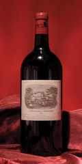 Red Bordeaux, Chateau Lafite Rothschild 1998 . Pauillac. Double-Magnum(1). ... (Total: 1 D-Mag. )