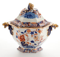 Whoopi Goldberg collection  MASON'S IRONSTONE SOUP TUREEN WITH COVER England, 19th century Ma