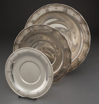 SET OF GRADUATED WALLACE SERVING PLATES IN THE ROSEPOINT PATTERN R. Wallace & So