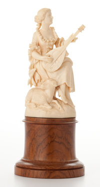 CONTINENTAL CARVED IVORY LUTE PLAYER ON WOOD PEDESTAL 19th century 5-3/4 inches high (14.6 cm) (ivory)