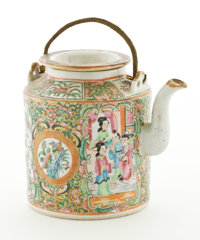 CHINESE EXPORT PORCELAIN ROSE MEDALLION TEAPOT Circa 1850-1900 5-1/2 inches high (14.0 cm)