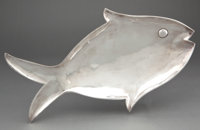 MEXICAN SILVER FISH FORM PLATTER RAISED ON THREE BALL FEET 20th century Marks: HECHO EN MEXICO DF STERLING 9