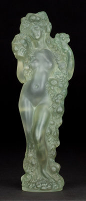 R. LALIQUE CLEAR AND FROSTED GLASS FIGURINE AVEC GUIRLANDE DE FRUITS WITH GREEN PATINA <