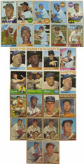 Baseball Cards:Lots, 1962-1969 Topps Baseball Group Lot of 552. Highlights include 1962Topps #45 B. Robinson, (2) 50 Musial, 100 Spahn, 200 Mant...