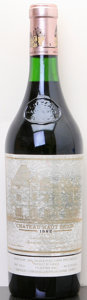 Red Bordeaux, Chateau Haut Brion 1982 . Pessac-Leognan. hbsl. Bottle (1).... (Total: 1 Btl. )