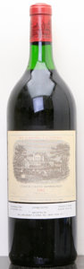 Red Bordeaux, Chateau Lafite Rothschild 1982 . Pauillac. Magnum (1). ...(Total: 1 Mag. )