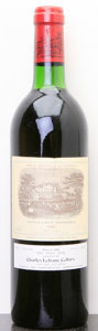 Red Bordeaux, Chateau Lafite Rothschild 1982 . Pauillac. bn, lscl. Bottle (1). ... (Total: 1 Btl. )