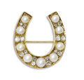 Estate Jewelry:Brooches - Pins, Antique Diamond, Pearl, Gold Brooch. The horseshoe brooch featurespearls ranging in size from 4.00 mm to 5.00 mm, alterna...