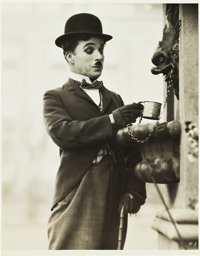 """Charlie Chaplin from City Lights (United Artists, 1931). Photo (8"""" X 10""""). Comedy"""