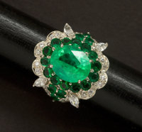 Jeweler's Sterling Display Ring Set With A Center Emerald