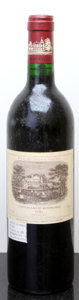Red Bordeaux, Chateau Lafite Rothschild 1986 . Pauillac. lbsl. Bottle (1).... (Total: 1 Btl. )