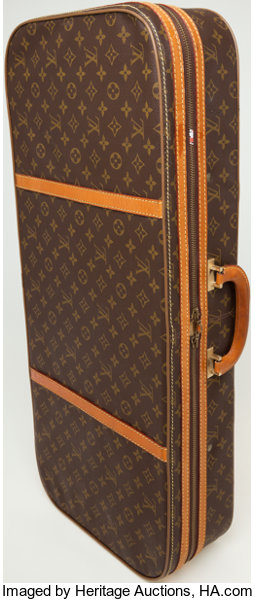 Heritage Vintage  Louis Vuitton Monogram Canvas Travel Case ... 35d1525ac56e1