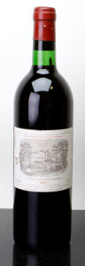 Red Bordeaux, Chateau Lafite Rothschild 1975 . Pauillac. ts, bsl, wisl.Bottle (1). ... (Total: 1 Btl. )