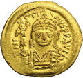 Ancients:Byzantine, Ancients: Justin II. A.D. 565-578. AV solidus (21 mm, 4.49 g).Constantinople. Diademed, helmeted and cuirassed bust facing,holding V...