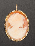 Estate Jewelry:Cameos, Shell Gold Cameo Pendant/Brooch. ...